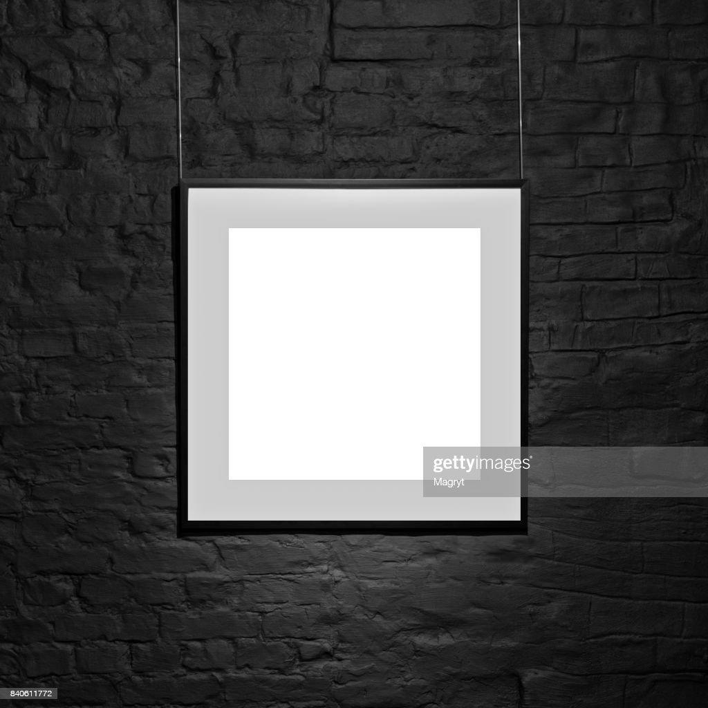 Leeren Quadratischen Rahmen Auf Schwarze Mauer Leerstelle Poster ...
