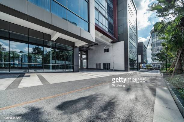 empty square front of modern architectures - square stock pictures, royalty-free photos & images