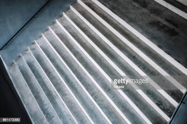Leere Treppe mit handrial