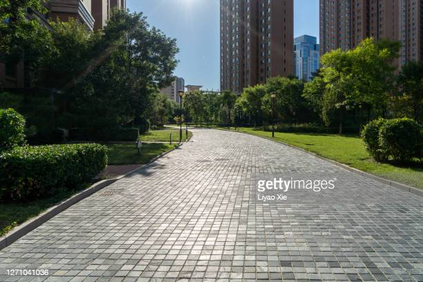 empty street in residential - liyao xie stock pictures, royalty-free photos & images