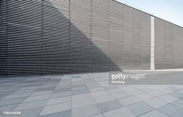 empty studio background - wall building feature stock pictures, royalty-free photos & images