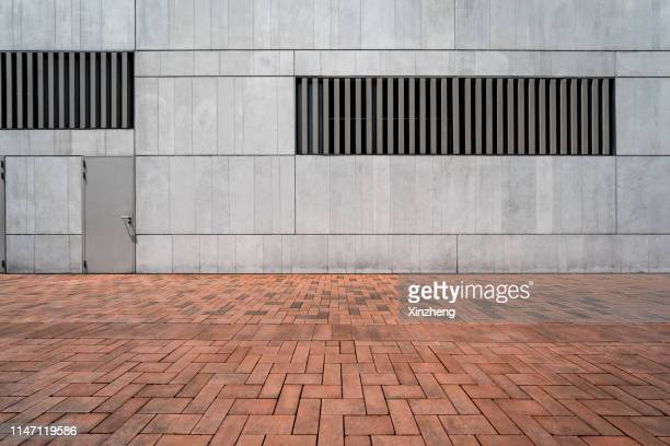 empty studio background - defensive wall stock pictures, royalty-free photos & images