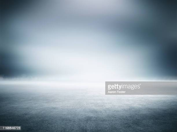 empty studio background - lighting equipment stock pictures, royalty-free photos & images