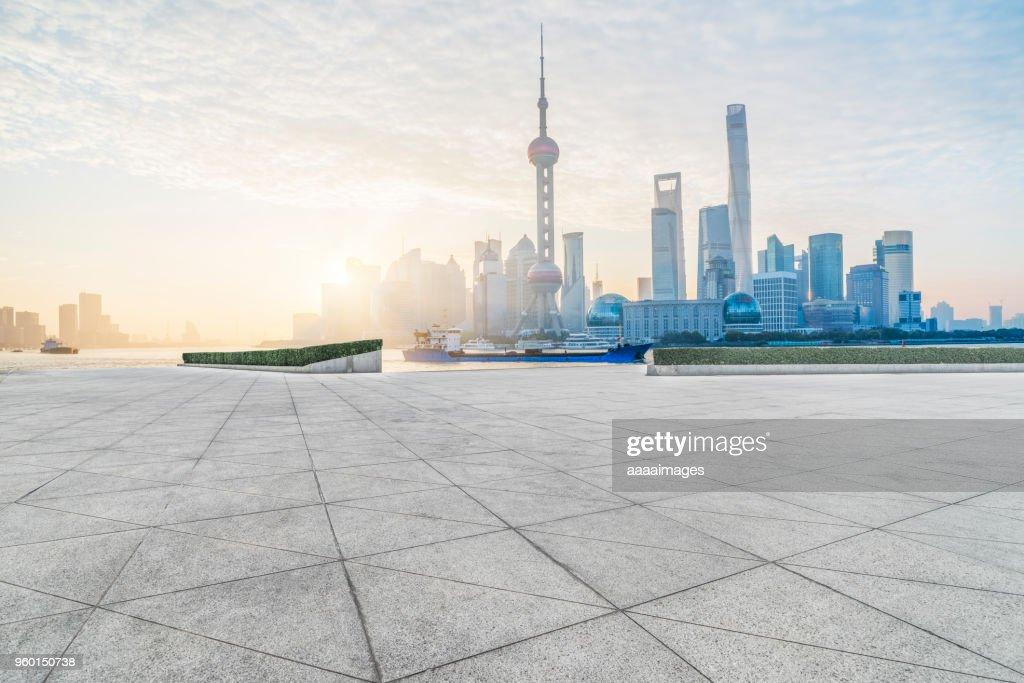 empty tiled floor front of shanghai bund skyline : Stock-Foto