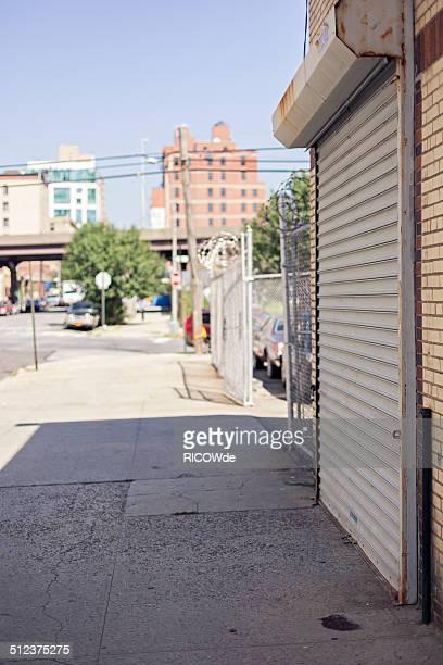 empty trade - ニューヨーク市クイーンズ区 ストックフォトと画像