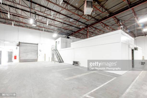 empty warehouse hdr - industrial door stock pictures, royalty-free photos & images