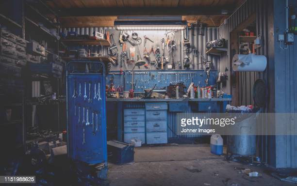 empty workshop - garage stock pictures, royalty-free photos & images