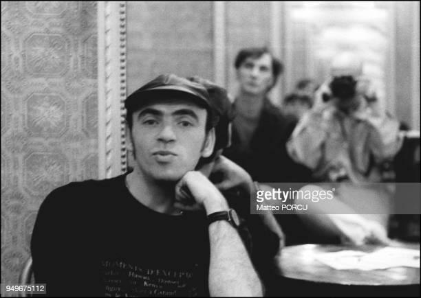 En 1994 Portrait d'Elie Kakou dans le hall du theatre Dejazet En 1994 Portrait d'Elie Kakou dans le hall du theatre Dejazet