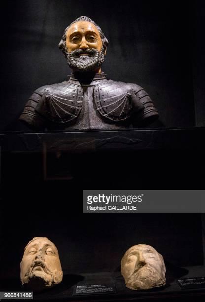 buste funéraire d'Henri IV cire polychrome attribuée à Michel Bourdin vers 1610 d'après l'empreinte du visage du roi prise immédiatement après la...