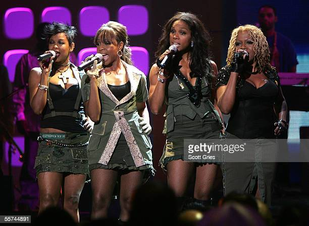 En Vogue performs onstage at the Second Annual VH1 Hip Hop Honors at the Hammerstein Ballroom September 22 2005 in New York City