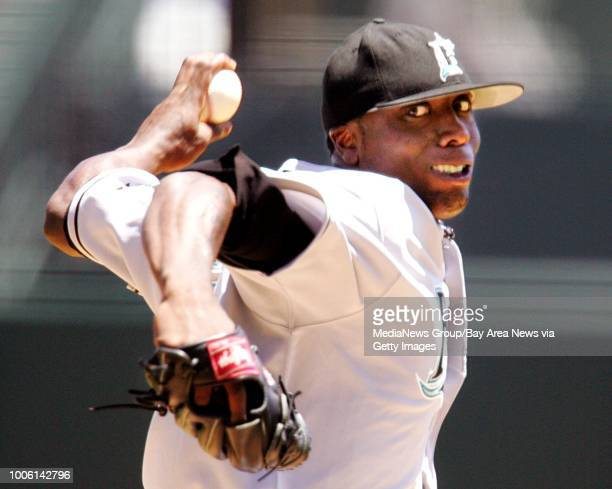 Encinal High School standout Dontrelle Willis finally defeated the Giants pitching a complete game Wednesday winning 81 Nick Lammers/The Oakland...