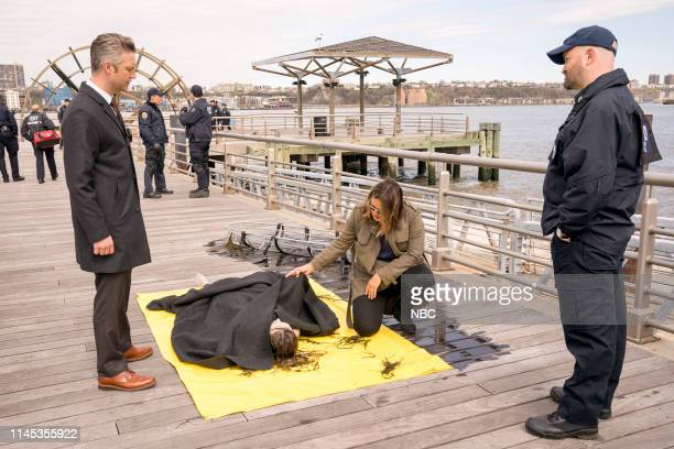 """End Game"""" Episode 2024 -- Pictured: Peter Scanavino as Dominick """"Sonny"""" Carisi, Annie Baltic as Lindsay Parker, Mariska Hargitay as Lieutenant Olivia..."""