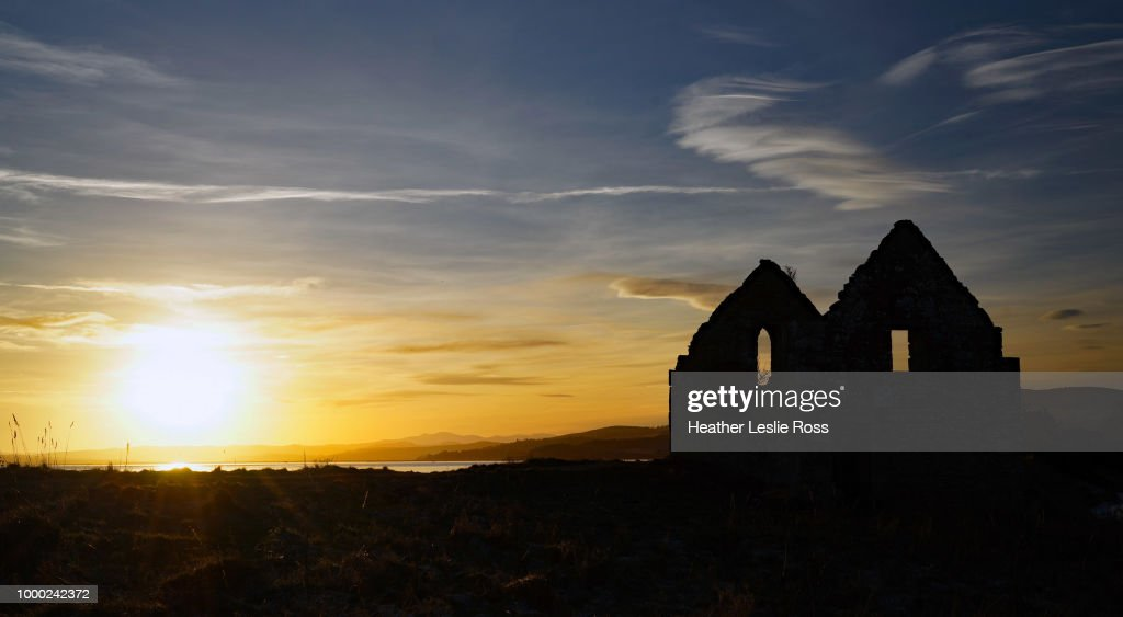 end of the day kiltearn scottish highlands ストックフォト getty images