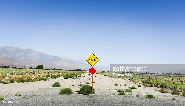 end of the road sign - central california stock pictures, royalty-free photos & images