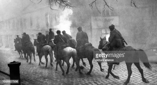 End of the war in Berlin 1945 Entry of the Soviet cavalry into Berlin April 1945 Photo Berliner Verlag / Archive