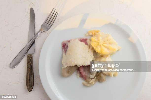 Endive and ham gratin, cheese layer and potato puree.