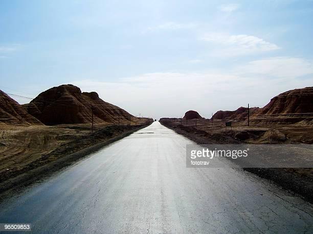 Endlose Straße, in der autonomen Region Xinjiang, China