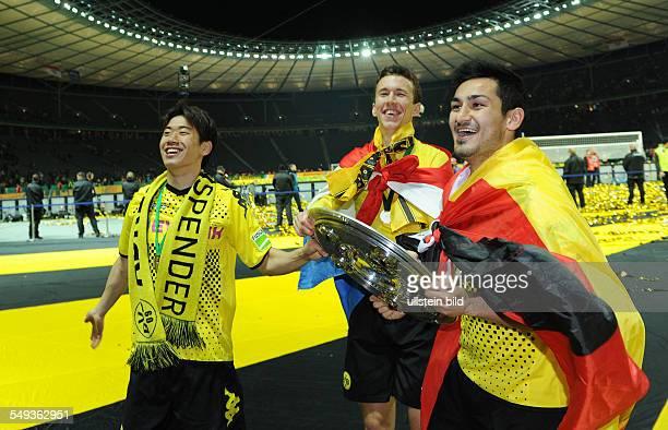 Endspiel Saison 2011/2012 Fussball Saison 20112012 DFBPokal Finale in Berlin 2012 Borussia Dortmund FC Bayern München 52 Shinji Kagawa Ivan Perisic...