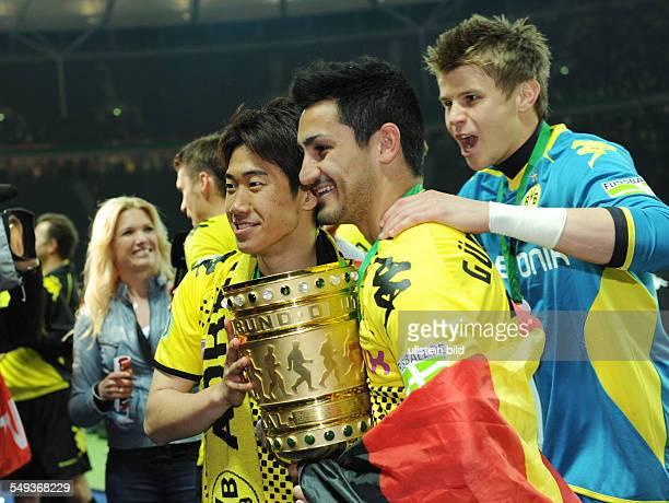 Endspiel Saison 2011/2012 Fussball Saison 20112012 DFBPokal Finale in Berlin 2012 Borussia Dortmund FC Bayern München 52 Shinji Kagawa Ilkay Gündogan...