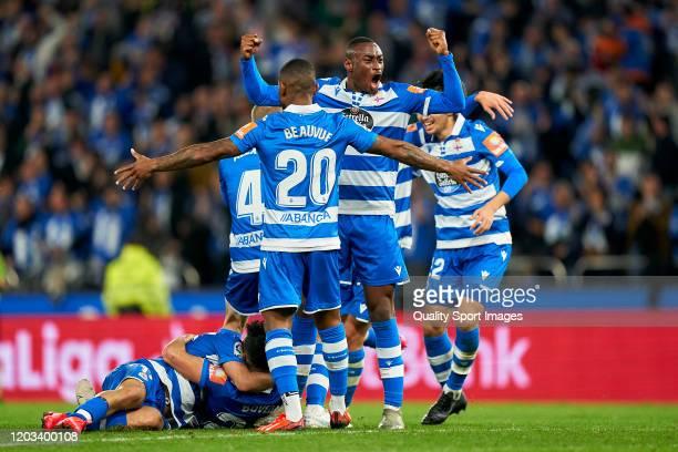 Eneko Boveda of Deportivo de La Coruna celebrates with teammates the second goal of their team during the La Liga Smartbank match between Deportivo...