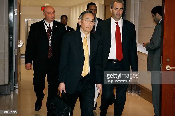 S Energy Secretary Stephen Chu arrives at the US Capitol after briefing members of the Senate May 6 2010 in Washington DC Chu Defense Secretary...