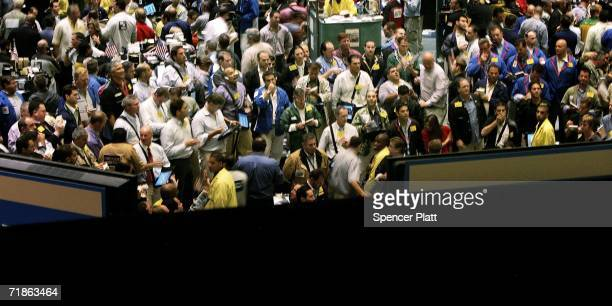 Energy traders work on the floor of the New York Mercantile Exchange September 12 2006 in New York City For the seventh straight trading session oil...