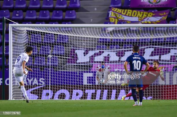 Enes Unai of Real Valladolid CF gets his penalty shot saved by Aitor Fernandez of Levante UD during the Liga match between Real Valladolid CF and...