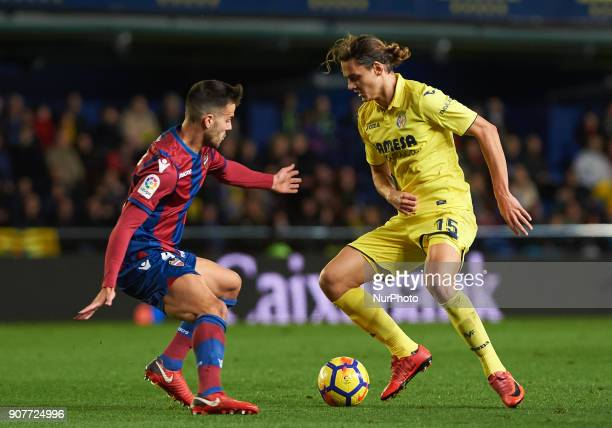 Enes Unal of Villarreal CF and Rober Pier of Levante Union Deportiva during the La Liga match between Villarreal CF and Levante Union Deportiva at...