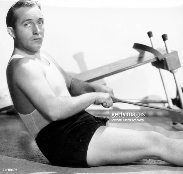 Enetertainer Bing Crosby works out in circa 1945