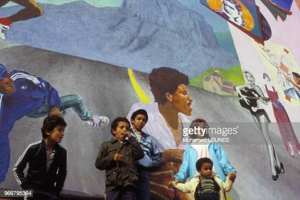 Enfant immigrés le 14 octobre 1984 à Aulnay sous Bois, France.