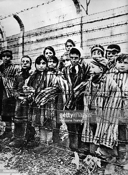 Enfants déportés dans le camp de concentration d'AuschwitzBirkenau en Pologne en 1945