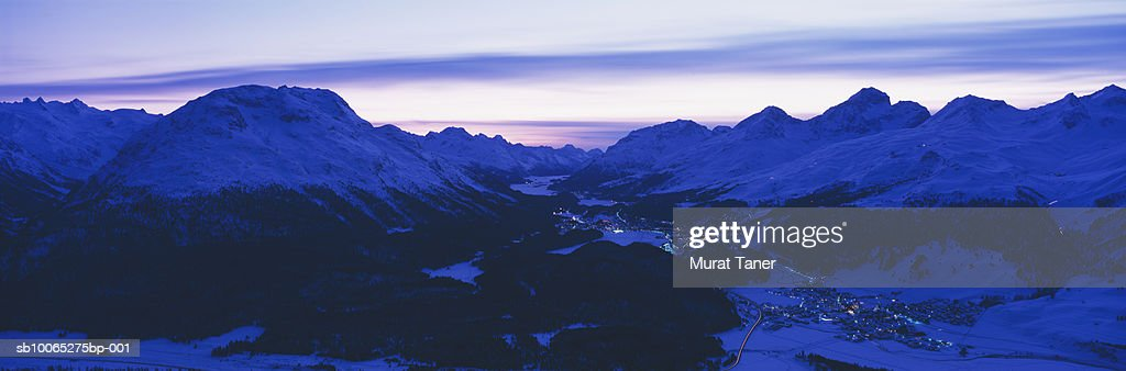 Engadine Valley at dusk : Foto stock