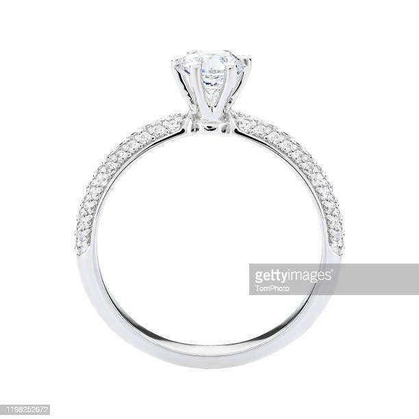 engagement diamond ring jewelry isolated on whitу background - ダイヤモンドの指輪 ストックフォトと画像