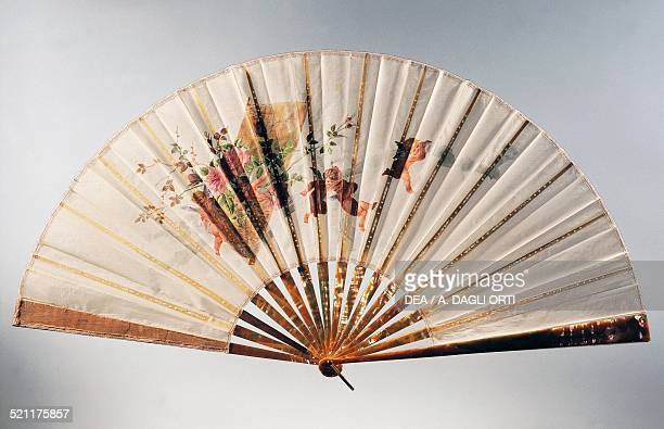 Engagement hand fan depicting cherubs holding a basket of roses temperapainted organza 1890 France 19th century Trieste Civico Museo Sartorio France