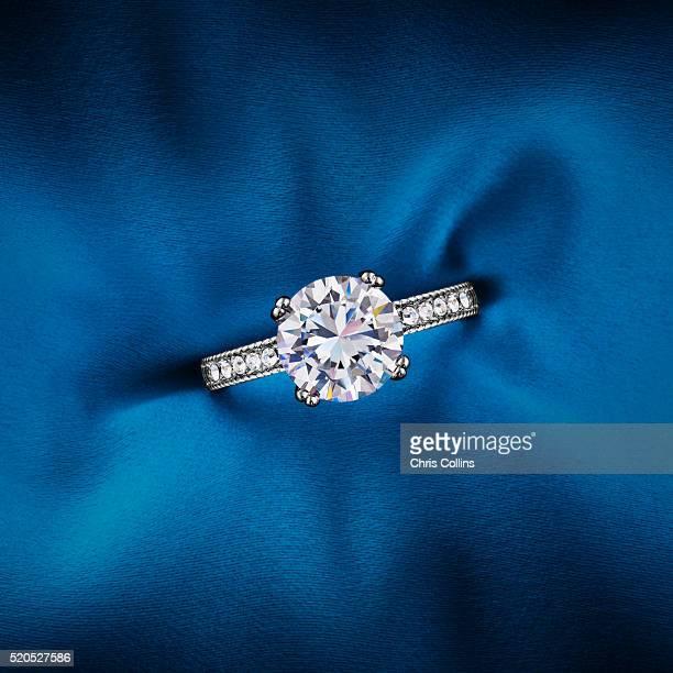 engagement ring - gioielli foto e immagini stock