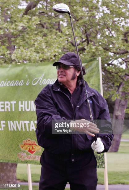Engelbert Humperdinck shows off his personalized driver called Please Release Me affectionately named after his number one chart hit of 1967Engelbert...