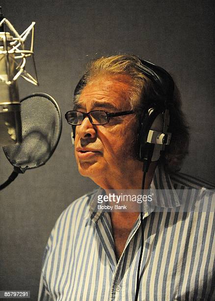 COVERAGE *** Engelbert Humperdinck sings during a private recording session with Producer/Arranger Charlie Calello at the Hit Factory on April 2 2009...