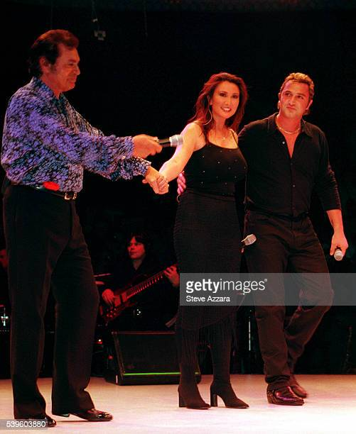 Engelbert humperdink with his daughter Louise and son Bradley on stage at Westbury Music Fair