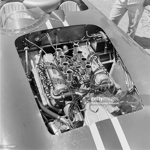 Engine cover removed to show fuelinjected overhead cam V8 racing engine