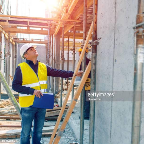 Ingenieur der Prüfeinrichtung