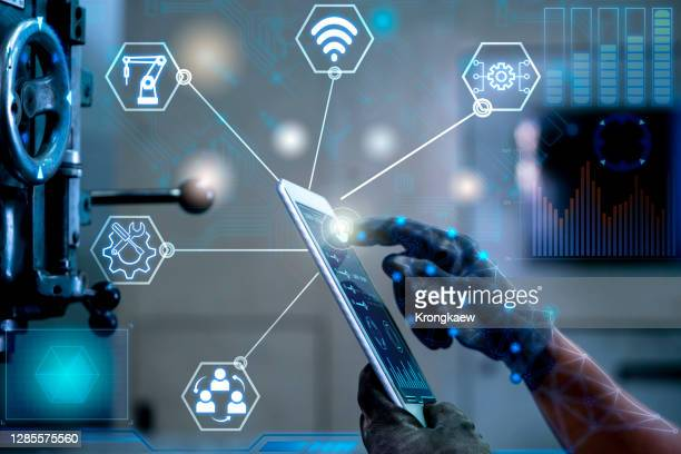 engineer control welding heavy automation - factory stock pictures, royalty-free photos & images
