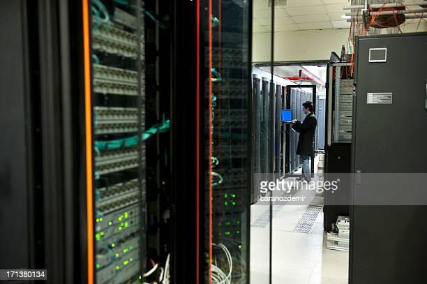 É Engenheiro na acção Configurar os servidores