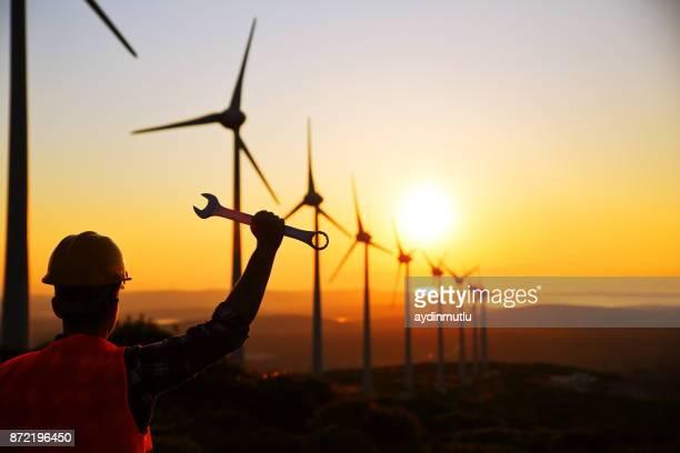 Ingenieur der Windkraftanlage