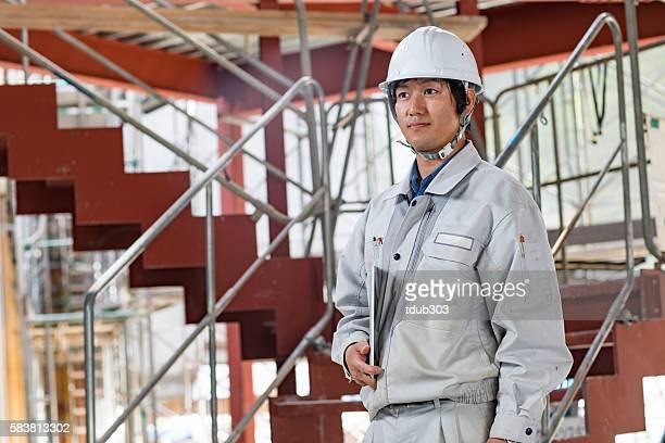 エンジニアまたは検査担当者は、サイトの構築