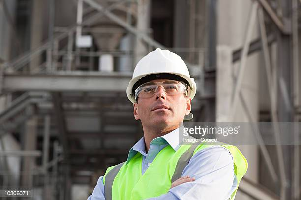engineer outside factory - protective eyewear stock pictures, royalty-free photos & images