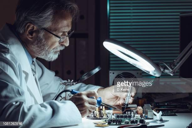 ingenieur - computeronderdeel stockfoto's en -beelden