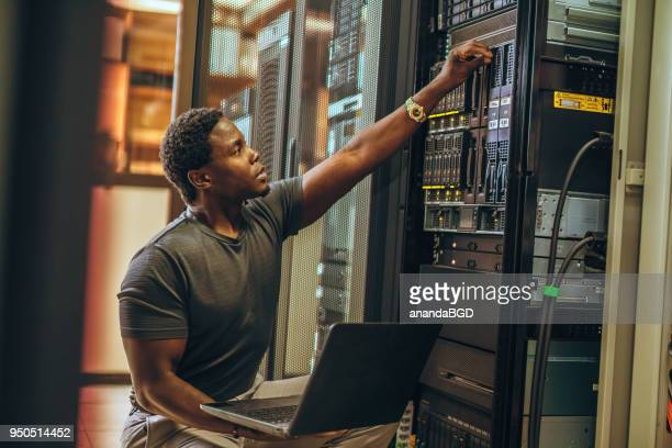 engineer - data center stock pictures, royalty-free photos & images