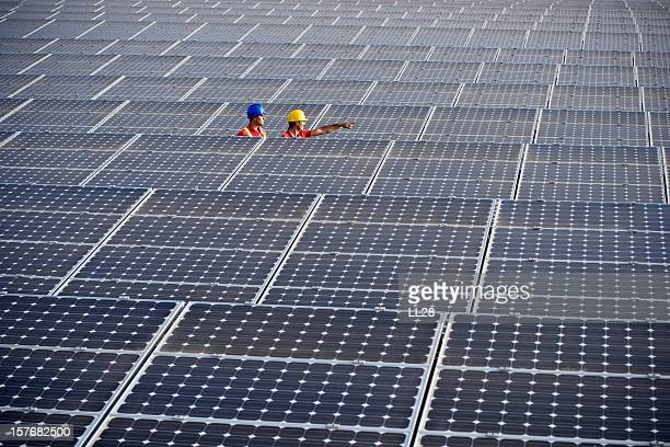 engineering - solar powered station stock pictures, royalty-free photos & images