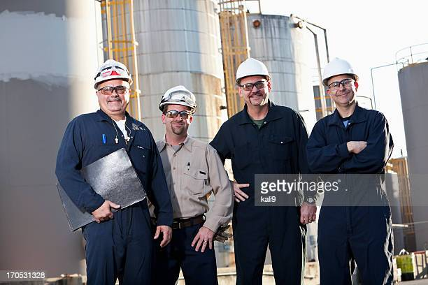 Ingenieure in Chemiefabrik
