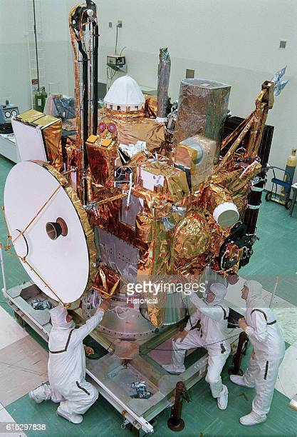 Engineers ready the Mars Observer spacecraft for transfer from a hangar on Cape Canaveral Air Force Station to the Payload Hazardous Servicing...